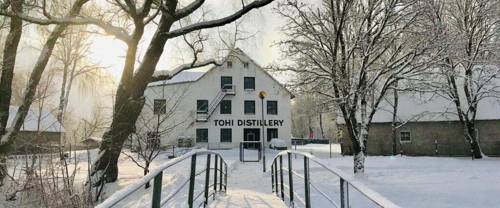 Tohi Ditillery maja talvel