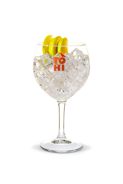 Navy strength gin tonic cocktail